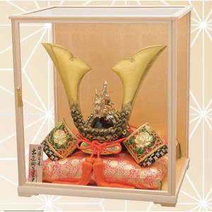 出世兜 特選 玉竜獅子星兜 木製ガラスケースセット 縁起物 節句 贈り物|towakouribu