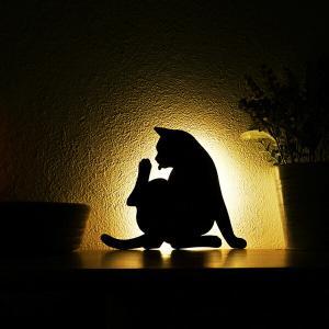 壁面取付猫型音感・照度センサー付きLEDライト ネコのライト フットライト 階段下ライト 電池式 キャットウォールライト2けづくろい メーカー直販 93761|toyocase-store
