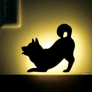 ウォールライト 壁面ライト フットライト 音感センサー LEDライト 電池式ライト 間接照明 柴犬 犬 シバウォールライトフリフリ メーカー直販|toyocase-store
