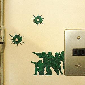 ウォールステッカー ザウォーインザウォール 銃痕 メーカー直販|toyocase-store