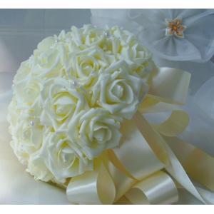 可愛らしいローズのブーケです。贈答品やインテリアに最適です。  サイズ:ブーケ直径約24cm  (手...