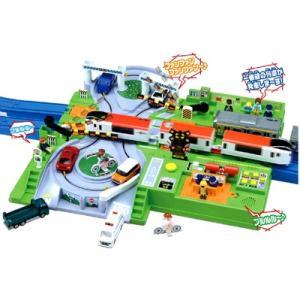 ≪遮断機アクション≫複線の踏切で、プラレール車両が2台走行!プラレール車両が踏切に来ると、自動で遮断...