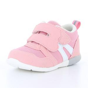 子どもの足の正しい成長をサポートする機能を搭載した「ムーンスター」ブランドのベビーシューズです。甲周...
