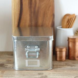 トタンの米びつ 7kg 日本製|tremolo