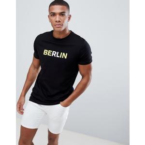エイソス Tシャツ メンズ 半袖 ブラック ASOS DESIGN T-Shirt With Berlin slogan Print|trendcruising