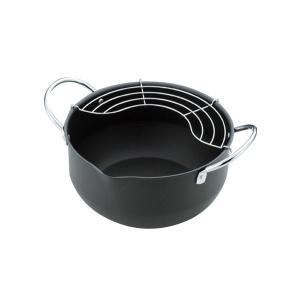 揚げ物料理をカラッとサクッと揚げるコツは油温を一定に保つこと。だから熱吸収性に優れた鉄製の揚げ鍋にこ...