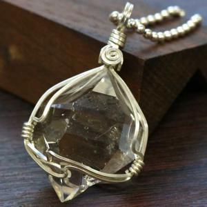 ハーキマーダイヤモンド(ハーキマー水晶)SVワイヤー原石ペンダント(SVチェーン付)|triangle358