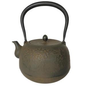 南部鉄器 鉄瓶 牡丹 通常蓋仕様 1.8L IH対応(やかん 日本製 茶道具 茶釜  おしゃれ)|tricycle