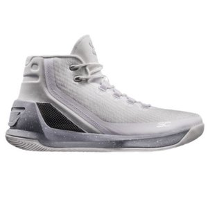 Under Armour バッシュ Curry 3