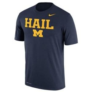 ナイキ メンズ NCAA カレッジ Tシャツ Michigan Wolverines Nike Legend Authentic Local Dri-FIT T-Shirt Navy|troishomme