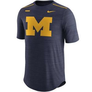 ナイキ メンズ Michigan Wolverines Nike 2017 Player Breathe Performance T-Shirt 半袖 Tシャツ ドライフィット Heathered Navy|troishomme