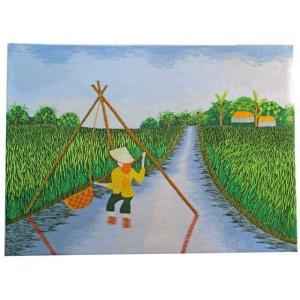 働くベトナムの女性をモチーフにした刺繍絵。網で魚を採る女性を描いています。ポップな色使いのシンプルな...