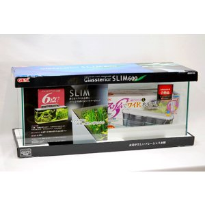 60cmスリムタイプ・フレームレスガラス水槽とスリムタイプ外掛け式フィルターのセットです。