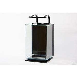 幅24.5cm・合わせ目がなくきれいに見える前面曲げガラス水槽セットです。 水槽の高さは35.5cm...