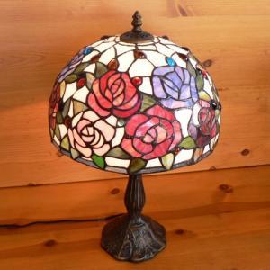 ステンドグラス ランプ 薔薇の花 (ハーモニィ) 大型 32×h51|tsuruyakagu