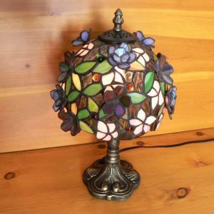 ステンドグラスランプ 立体の小花(ロマンス) 小型 22×h33  【照明・スタンドb012】|tsuruyakagu
