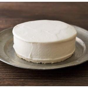 二層の異なるチーズケーキが楽しめる逸品です。  上層は濃厚なレアチーズケーキ。 乳化剤不使用の北海道...