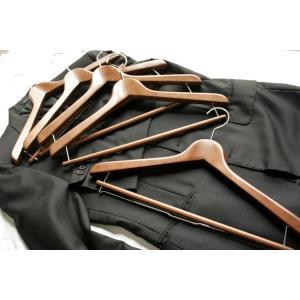 高級木製ハンガー天然木 オーク・ブラウン 1本 高級テーラーで使われるスーツ用のハンガーでジャケット型崩れ防止|ttp