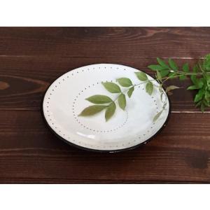 鶴見窯の特徴はなんといっても、その斬新でシャープな「用の美」です。 和のデザインでありながら、独特の...