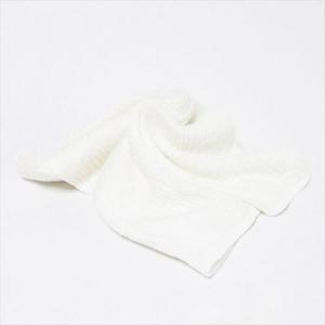 【商品情報】  極細番手絹紡シルク(絹紡糸)を使用した、ふんわりやわらかい触感の腹巻。 紡績絹糸の中...