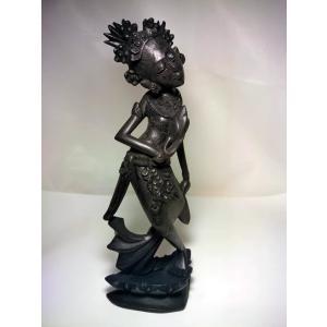 001イブー・ペルティウィ女神像の草木染め|turfan