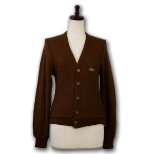 ブラウンに、緑のラコステロゴ♪ ショート丈、長め袖がとってもガーリィなシルエット。 少々毛玉がありま...