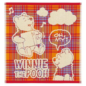 チェック柄のガーゼに、ふわふわパイルのキャラクター柄がうかぶ優しい肌触りのゲストタオル。プーさんと雲...