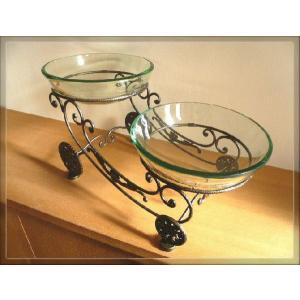 ガラスボール2個とアイアン製スタンドが付いたお洒落な水鉢です。  メダカ、金魚、水草、浮き玉などにピ...