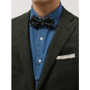 エレガントな艶感が特徴のシルク100%素材の蝶ネクタイ。MADE IN JAPANならではの丁寧な縫...