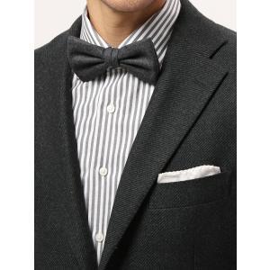 ウール100%の贅沢ファブリックを使用した蝶ネクタイ。フランネル調のふっくらとした風合いやメランジ感...