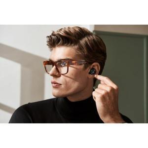 音楽再生や電話応答、音声コマンドなどを直感的に操作できるタッチインターフェースに上質な Bang &...