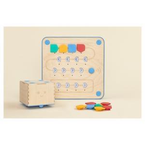 イギリス発のキュベットは、デジタル画面を使わずにプログラミング脳を育てる英国生まれの玩具です。3歳の...