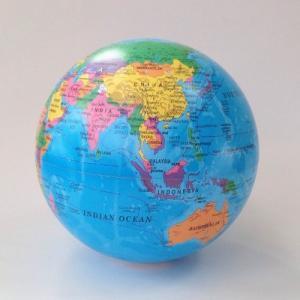 ムービング地球儀 Magic Revolving Globe|uminekoya
