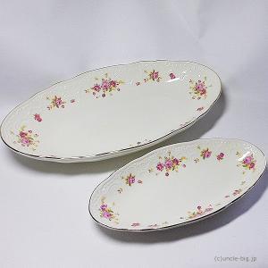 陶器 皿2枚セットです。 LIZ LISAの商品です。  中国製・正規品です。 生産終了品です。  ...