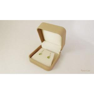 【即納】手触りバツグンの本格高級仕様のピアスケース(ベージュ) united-jewellery 05