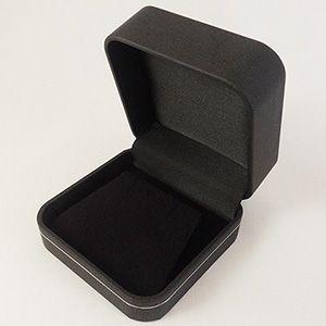 【即納】手触りバツグンの本格高級仕様のピアスケース(ブラック)|united-jewellery
