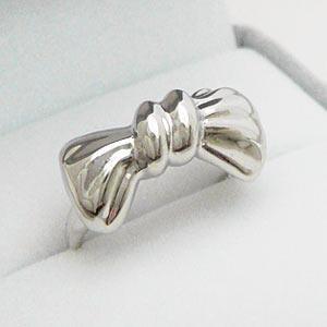 大きめでとってもキュートなオールシルバー製のリボンリング メール便可|united-jewellery