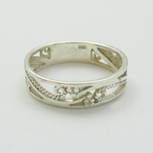 【即納/わけありアウトレット】オールシルバー製すずらん模様の透かし彫りリング メール便可 united-jewellery