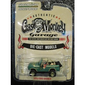 GREENLIGHT HOLLYWOOD SERIES10 1:64 1976 Ford Bronc...