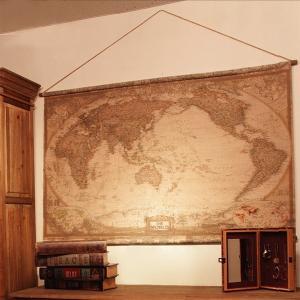 タペストリー 世界地図 地図 壁掛け 壁 おしゃれ 宝の地図 アンティーク調 レトロ調 古めかしい お洒落 インテリア|usagi-shop
