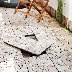 デザイン性の高いフロアーパネル。 おしゃれな乱形の敷石が、まるで西洋の石畳のような空間を創造します。...