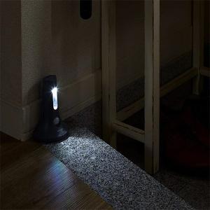 フットライト 屋外 玄関 人感センサー 電池式 足元 照明 電気|usagi-shop