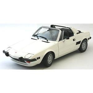 フィアット X1/9 1974 ホワイト (1/18 ミニチャンプス100121665)|v-toys
