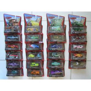 ディズニー ピクサー Cars 2 カーズ2 Set of 24 Different Mattel マテル Vehicles 1:55 スケール - Incl value-select