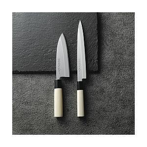 関鍔蔵作 刺身・出刃セットです。錆びにくい特殊なステンレスを使い、切れ味と耐久性を兼ね備えた包丁です...