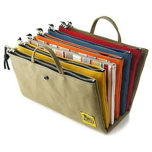 手提げ 付 ツイン ポケット ファスナー ポーチ /4個〜5個用 < 小物 整理 通帳ケース バッグインバッグ >の写真