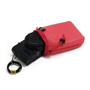 バッグの中にポンッと 放り込んでおける SONY Cyber-shot RX100M4/RX100M...