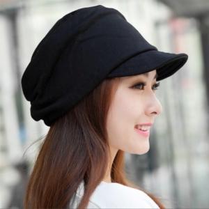 シンプルで飽きの来ないキャスケット帽子です 柔らかい素材で肌に優しい。 婦人帽キャスケット 帽子の内...
