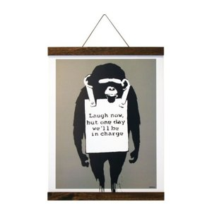 Banksy ポスター & ポスターハンガー セット バンクシー Laugh Now(Brown Hanger style) 美工社 IBA-61996|velkommen