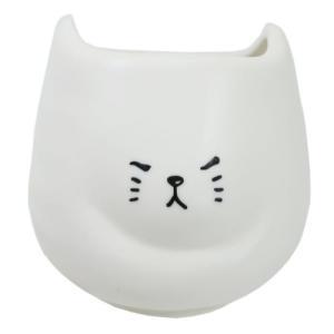 ふてぶてしい猫の湯呑 湯のみ しろねこ  サンアート ギフト雑貨 おもしろ velkommen